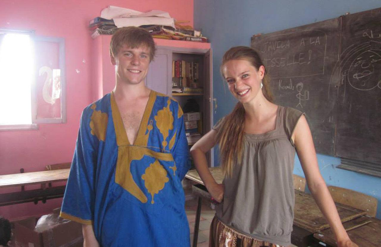 Romain et Lise bénévoles auprès des enfants