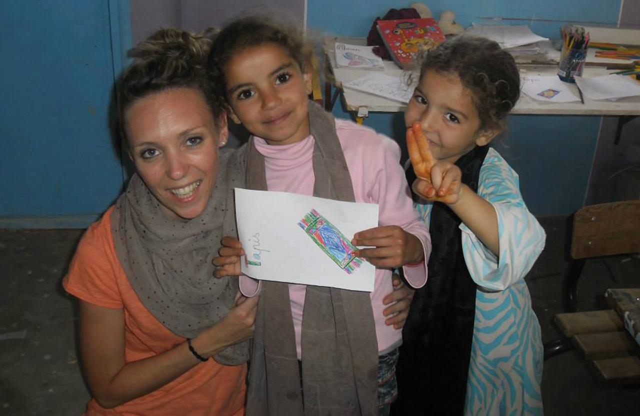 Ingrid, une bénévole venue aider à l'éducation auprès des enfants