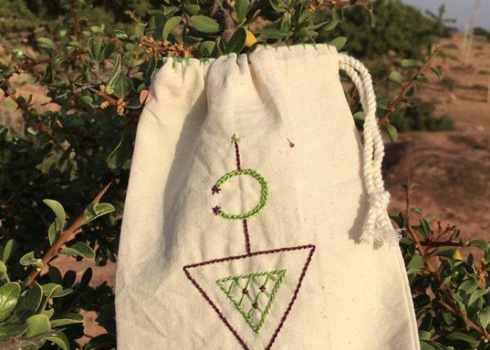 Un sac fabriqué par les femmes
